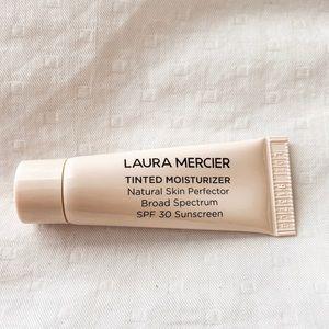 5/25 ✨ Laura Mercier Natural Skin Perfector